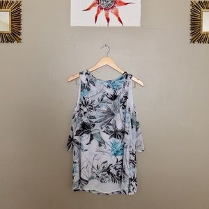 WHITE HOUSE BLACK MARKET NWOT flowy floral top